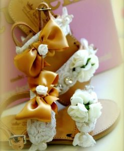 Ivory flowers Leather Sandals